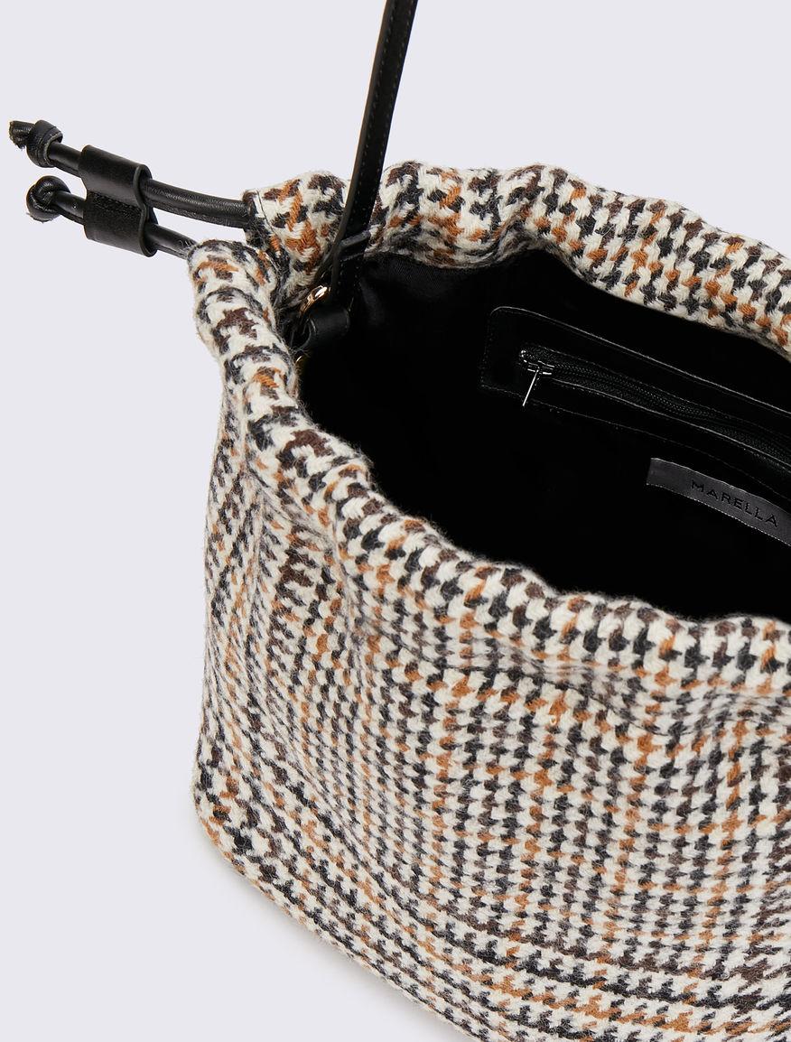 Bolso tipo saco de tela Marella