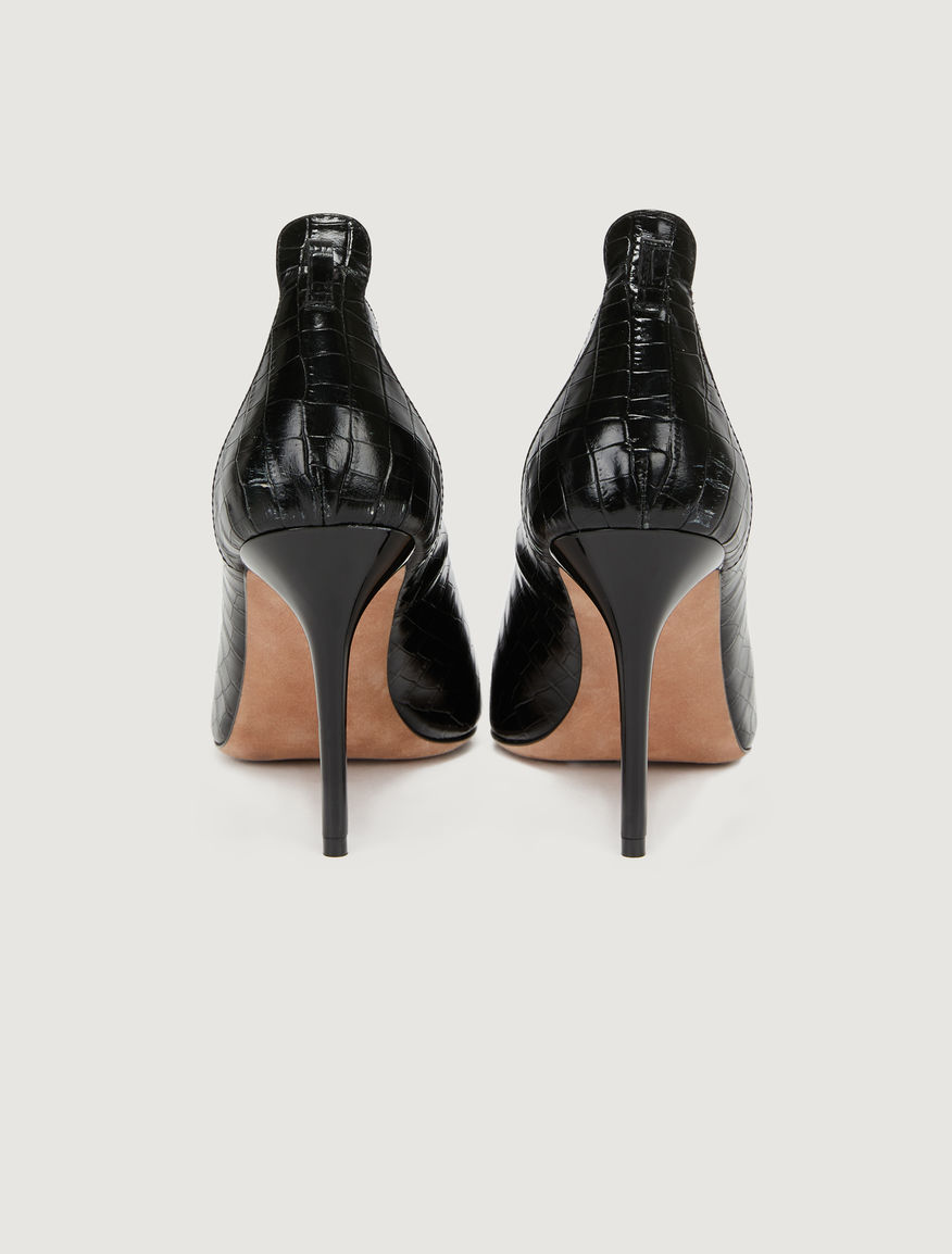 Leather courts Marella