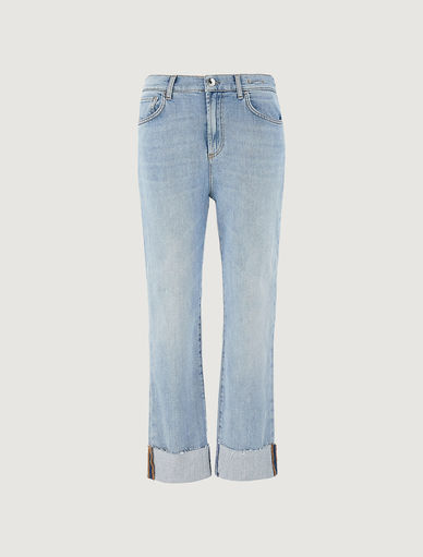 Jean mom fit Marella